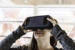 27152212 woman with glasses virtual reality